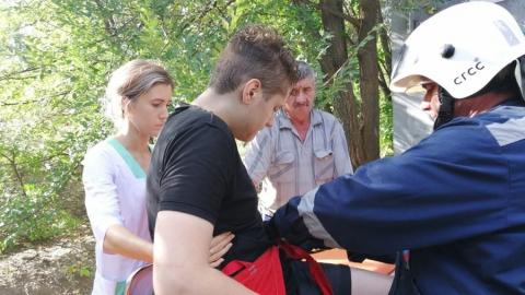 Спасатели сняли с крыши подстанции юношу-астматика