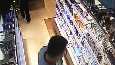 Наркоманы попались на кражах коньяка и туалетной воды из торговых центров