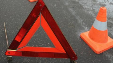 Две женщины и ребенок разбились в аварии на перекрестке