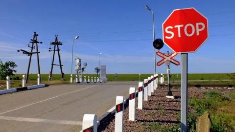 Два железнодорожных переезда закроют в Саратове