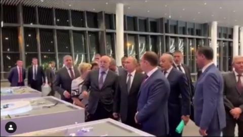 Владимир Путин посетил саратовский аэропорт