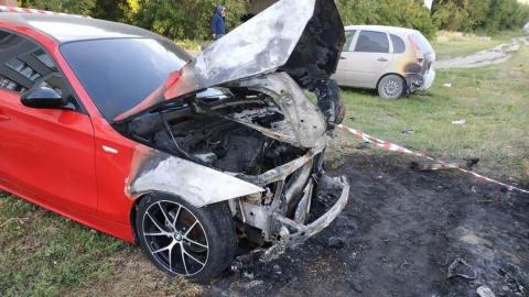 Столб, который снёс Mersedes, повредил ещё две машины