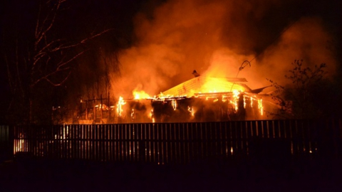 В Марксе горел нежилой дом