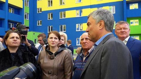 Построенный по благотворительному проекту Вячеслава Володина дом в Елшанке начинают заселять
