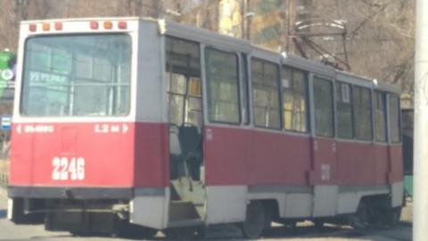 В Заводском районе Саратова с рельсов сошел трамвай