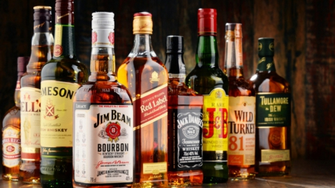 Региональный минэконом ответил на претензии прокуратуры по поводу лицензирования баров и магазинов