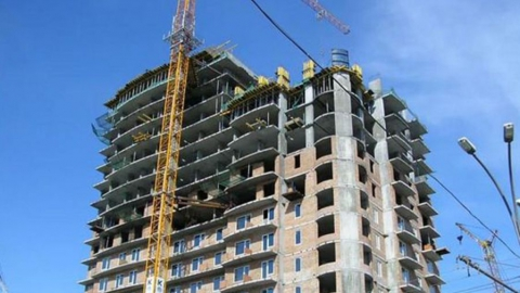 Молодым семьям предложили разрешить тратить социальные выплаты на ипотеку и долевое строительство
