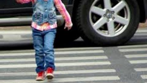 Женщина сбила 11-летнюю девочку
