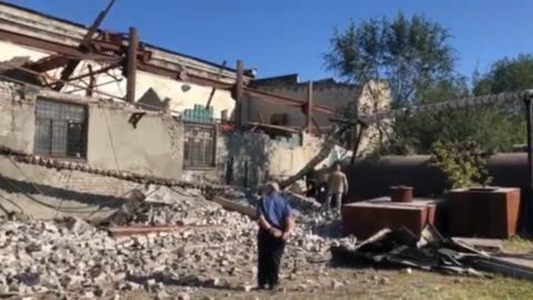 Под завалами рухнувшей крыши подшипникового завода могут находиться люди