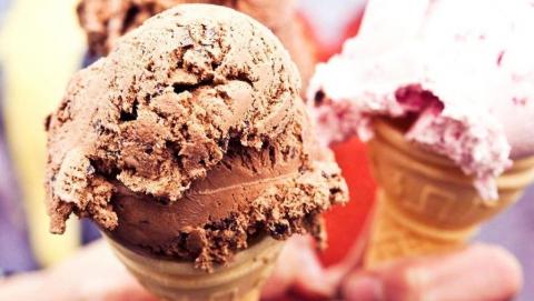 Двух подростков подозревают в краже из лавки с мороженым