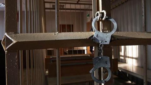 Отрезавшего голову собственной дочери мужчину арестовали
