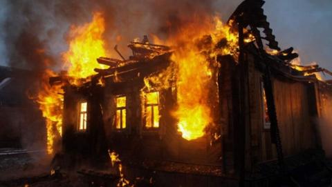 Подозреваемый в поджоге автомашин саратовец сжег еще и дачный домик