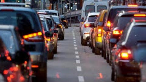 Саратовские водители о транспортном коллапсе: «Странно, что снег еще не идет»