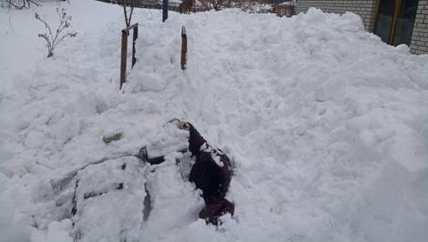 Женщина задохнулась под снежной лавиной, сошедшей с гаража. Перед судом предстанет директор предприятия