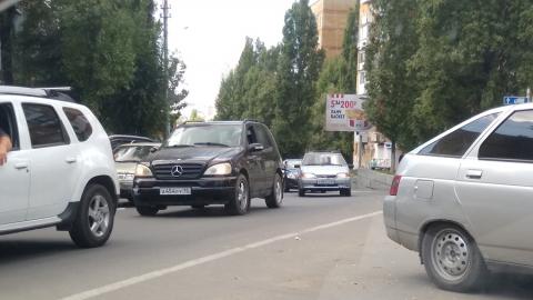 """Восьмерка"""" с пензенскими номерами заблокировала три улицы на СХИ"""
