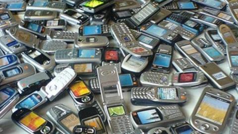 Рецидивист похитил сейф с сотовыми телефонами в Энгельсе
