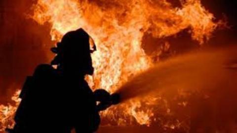 Утром в Саратове горел гараж