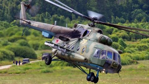 В эти минуты на аэродроме «Сокол» горит вертолет