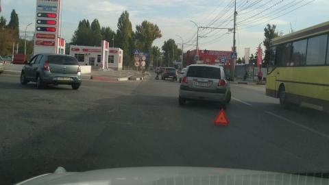 """""""Хендэ"""" вытолкнул """"Калину"""" на пешеходный переход"""