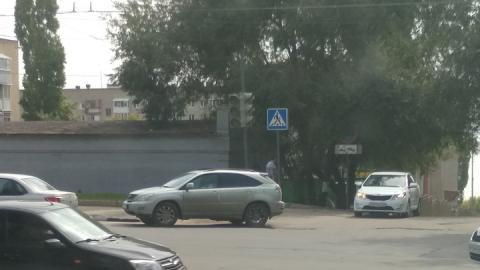 На оживленном перекрестке второй день не работают светофоры