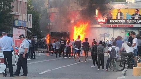 В Саратове и Энгельсе почти одновременно горели автобусы. Видео