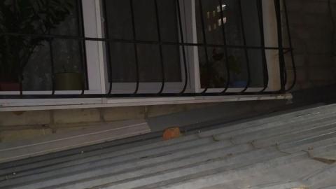 Пьяный мужчина перебудил жилищный комплекс в центре Саратова