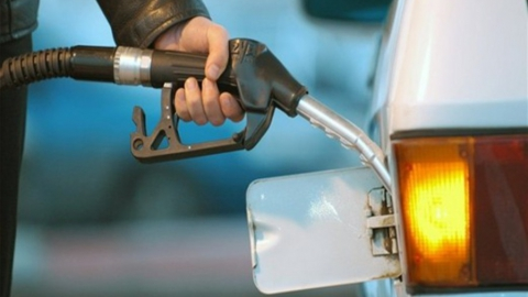 Самые популярные бензины в Саратове дороже, чем в среднем по России