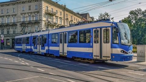 В центре Саратова на полчаса остановились несколько трамвайных маршрутов