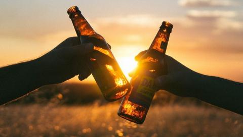 Завтра жители Саратовской области не смогут купить алкоголь