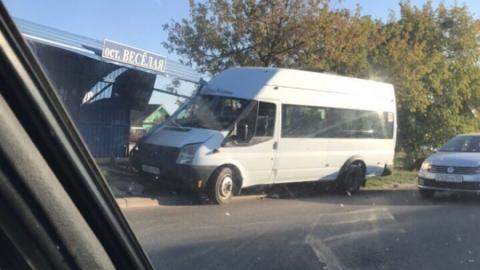 В Энгельсе за пять минут произошли две аварии с маршрутками