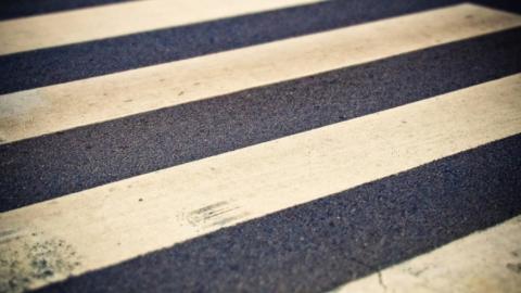 13-летний мальчик попал под машину на пешеходном переходе у поликлиники