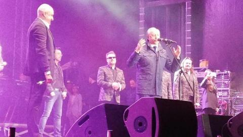Валерий Радаев спел с Хором Турецкого. Видео
