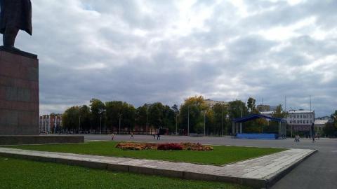 Михаил Исаев пообещал вернуть чугунные ограды в скверы Первой учительницы и имени Радищева