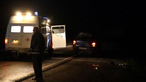 """Ночью на трассе рядом с Энгельсом """"Форд"""" насмерть сбил пешехода"""