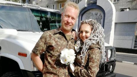 В Саратове сыграли свадьбу в стиле милитари