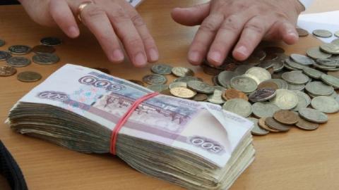 Среднемесячная зарплата саратовцев падала с начала лета