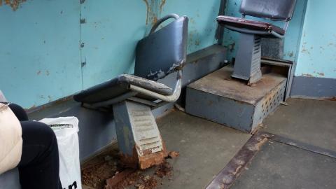 Саратовцы обратили внимание на разломанный вагон трамвая маршрута №11