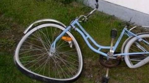 Велосипедист столкнулся с автобусом и угодил в больницу