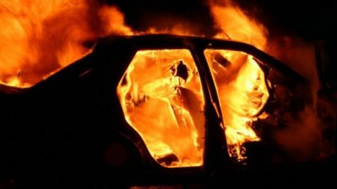 Ночью в Саратове сгорел автомобиль