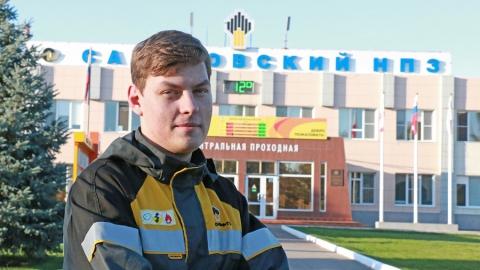 Выпускники первого в Саратове «Роснефть-класса» выбирают профессию нефтепереработчика
