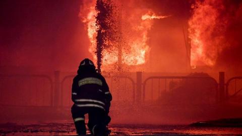 Ночью в Марксовском районе горели сараи