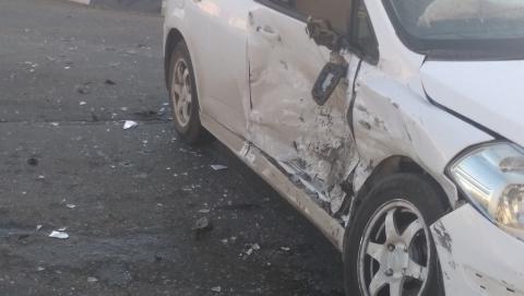 """Водителя """"Нивы Шевроле"""" после аварии увезли в больницу с разбитой головой. Видео"""