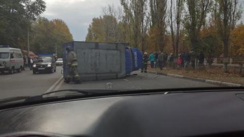 Почтовый фургон столкнулся с легковушкой