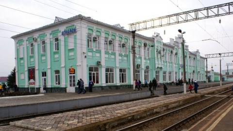 Главный инженер дирекции вокзалов попал под статью за фасадную плитку на вокзале