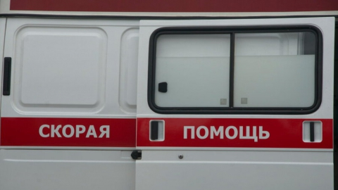 Водитель и пассажир ранены в ночной аварии
