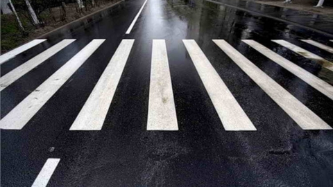 Женщину-пешехода в Энгельсе сбил молодой водитель