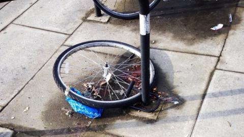 Двух школьников поймали с краденым велосипедом