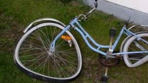 """Водитель """"Газели"""" сбил велосипедистку"""