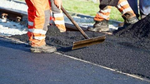 Ведущую к РЭО ГИБДД дорогу не включили в план ремонта на 2020 год