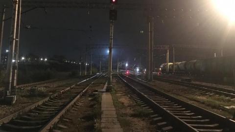 В Саратове пассажирский поезд насмерть сбил женщину